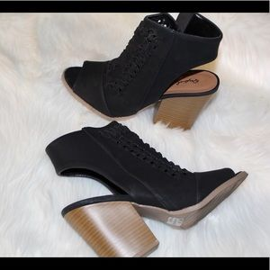 Qpuid Black Ankle Boots